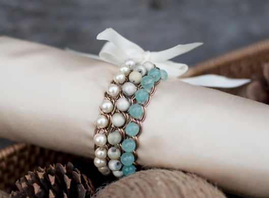 Fab-You-Bliss-Blog-Ombre-Bead-Chain-Bracelet-01